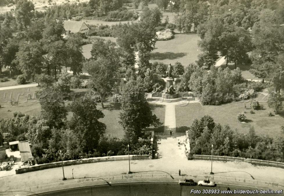 berlin_tiergarten_bismarck_nationaldenkmal_historisch_64da308983_978x1304xin